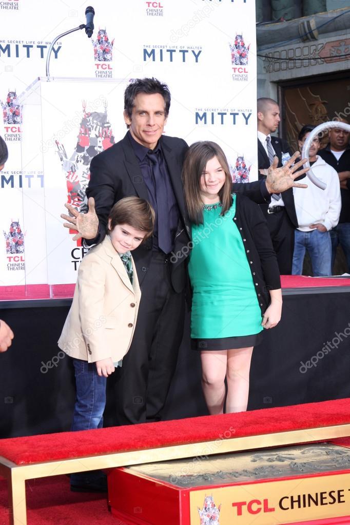 Quinlin Dempsey Stiller, Ben Stiller, Ella Olivia Stiller ...