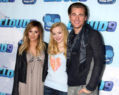 Ashley Tisdale, Dove Cameron, Luke Benward — Stock Photo