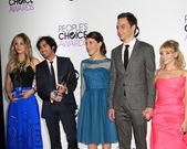 Kaley Cuoco, Kunal Nayyar, Mayim Bialik, Jim Parsons, Melissa Rauch — Foto de Stock