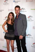 Chrishell stause, justin hartley — Foto Stock