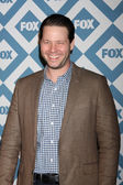Ike Barinholtz — Stock Photo