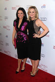Julia Louis-Dreyfus, Amy Poehler — Stock Photo