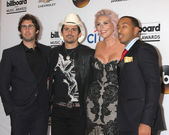 Josh Groban, Brad Paisley, Kesha, Ludacris aka Chris Bridges — Stock Photo