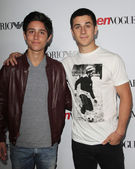 Lorenzo Henrie, David Henrie — Stock Photo