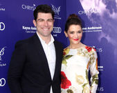 Max Greenfield, Tess Sanchez — Stock Photo