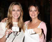 Kelly Sullivan, Nancy Lee Grahn — Стоковое фото