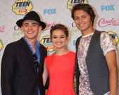 Charlie Rowe, Ciara Bravo, Nolan A. Sotillo — Stock Photo