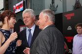 Olga Kurylenko, Roger Donaldson, Bill Smitrovich — Stock Photo