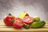 помидоры и огурцы — Стоковое фото