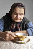 Portrait of an elderly woman — Stock Photo