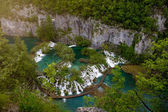 Scenic aerial view of cascades and pathway, Plitvice Lakes National Park, Croatia — Stock Photo