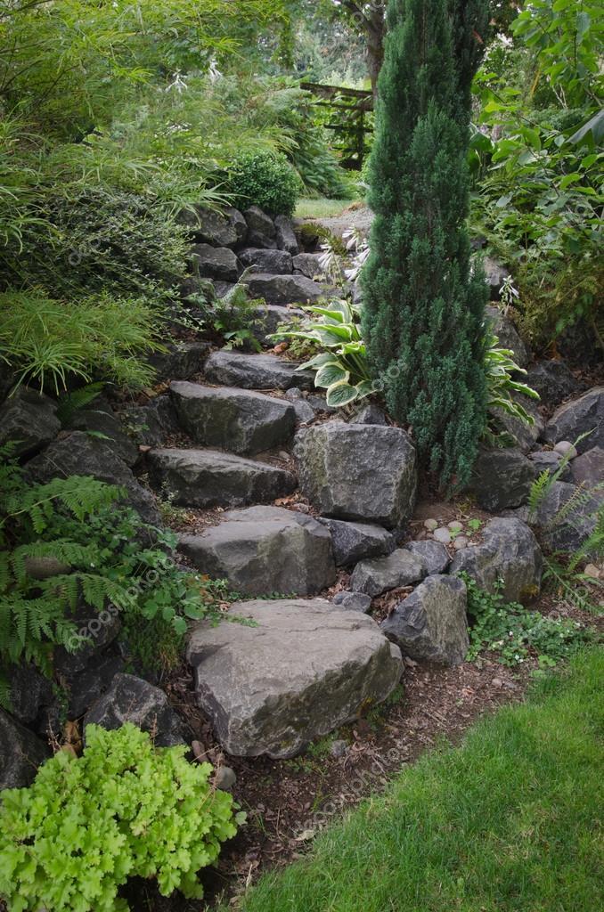 Pietra da giardino scale foto stock jamiehooper 29577253 - Scale in giardino ...