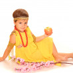 Cute child in greece dress — Stock Photo