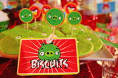 Biscuits with angry birds cartoons — Stock Photo