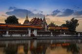 świątyni wat pra tagu lampang oferowane z odbiciem. — Zdjęcie stockowe