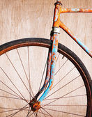 Old rusty bicycle — Stock Photo