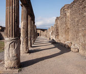 Ruins of Pompeii. Ancient columns — Stock Photo