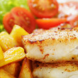 Roasted codfish fillet with vegetables — Stock Photo #41304997