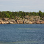 Scandinavian-type rocky coastline — Stock Photo