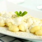 Italian pasta potato gnocchi with cream cheese — Stock Photo #21207883
