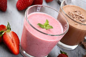 Strawberry and chocolate smoothie — Stock Photo