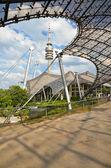 Olympiapark 2 - olympiahalle s olympiaturm — Zdjęcie stockowe