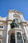 Sanctuary of Loreto statue of the pope 1 — Stock Photo