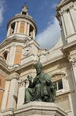 Helgedomen av loreto staty av påven 3 — Stockfoto