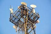 Dispositivos de una torre de teléfono — Foto de Stock