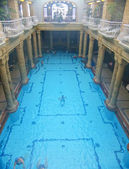 The effervescent swimming pool in Gellért Baths, Budapest, Hungary — Stock Photo