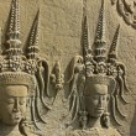 Wall bas-relief of Devatas, Angkor Wat temple, Siem Reap, Cambodia — Stock Photo