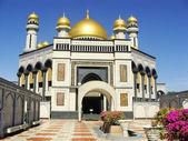 Inner courtyard of Jame'asr Hassanil Bolkiah Mosque, Bandar Seri — Stock Photo
