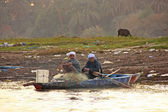 Local men paddling boat on the Nile river, Luxor — Stock Photo