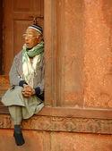 Indian man sitting at Jama Masjid, Delhi — Stock Photo