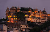 City Palace complex at night, Udaipur, Rajasthan, India — Stock Photo