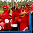 People celebrate arriving Fuifui Moimoi on Vavau island, Tonga — Stock Photo #39286559