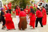 People celebrate arriving Fuifui Moimoi on Vavau island, Tonga — Foto de Stock