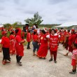 People celebrate arriving Fuifui Moimoi on Vavau island, Tonga — Stock Photo #39293661