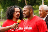 Fuifui Moimoi gives interview upon arrival at his home island Va — Stock Photo