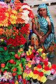 Indian woman selling flowers, Sadar Market, Jodhpur, India — Stock Photo