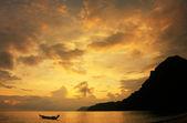 Wua Talab island at sunrise, Ang Thong National Marine Park, Tha — Foto de Stock