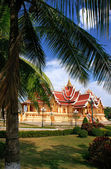 Temple at Pha That Luang complex, Vientiane, Laos — Stock fotografie