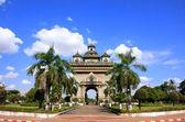 Victoria puerta patuxai, vientiane, laos — Foto de Stock
