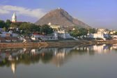 Pushkar lake and temples, Rajasthan, India — Stock Photo