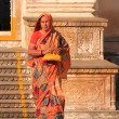 Indian woman walking out of the temple, Pushkar, India — Stock Photo
