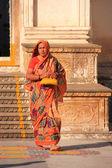 Indianka, Zwiedzanie świątyni, pushkar, Indie — Zdjęcie stockowe