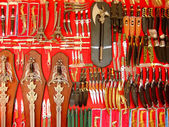 Display of weaponry at the street market, Pushkar, India — Stockfoto