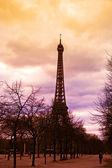 Tramonto dietro la torre eiffel — Foto Stock