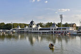 The newly renovated Skating rink (now as lake) in the Main city park in Budapest — Foto Stock