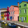The bright pastel-coloured houses on Burano Island in the north of Venice's lagoon, Italy — Stock Photo
